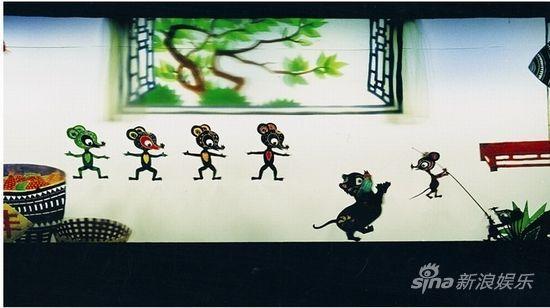 该剧是湖南皮影著名老艺术家何德润,谭德贵探索动物寓言童话剧的开始