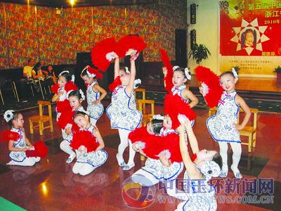 幼儿舞蹈可爱妆