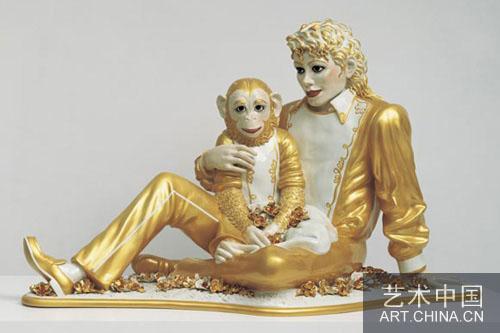 """杰夫/1988年由艺术家杰夫·库恩斯创作的瓷雕""""迈克尔·杰克逊和泡泡""""..."""