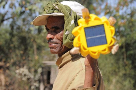 太阳能小灯在非洲