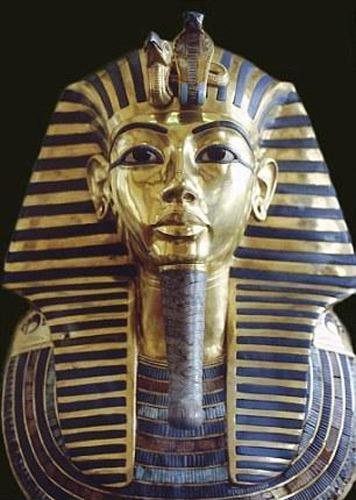 埃及博物馆否认图坦卡蒙法老黄金面具受损图片