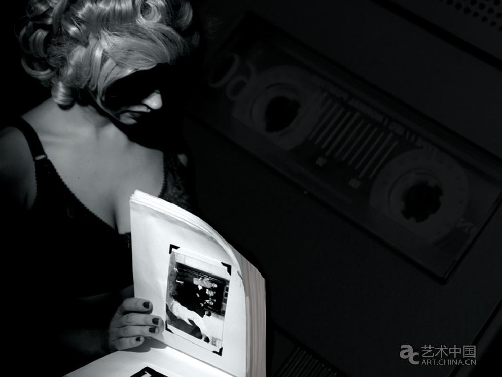 北京/玛丽莲梦露:她跟黑***人物一样的生活Marilyn: a life in film...