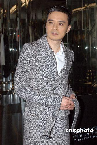 黄耀明自认最欣赏窦唯:他唱摇滚时非常迷幻_艺