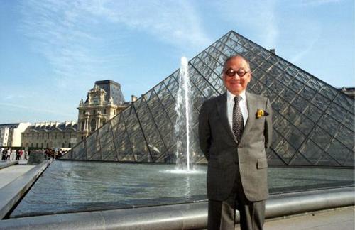 """卢浮宫""""玻璃金字塔""""不堪重负 贝聿铭受邀改建"""