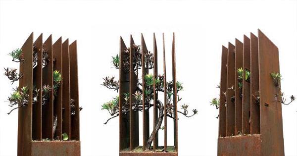 《囿》,树木,铁,60x300x30cm,2011