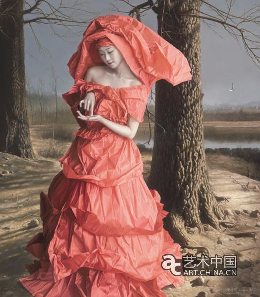 曾传兴作品3 新视觉:你的纸新娘系列全部描绘的是女人穿着纸的衣服,但是在画人物之前,你就曾经尝试过把纸这种媒介放入到静物当中。在2002 年的时候,油画静物叫《暖阳》就是这样表现的。 曾传兴:对,因为静物、风景、写生、人物都属于教学范围之内。教学是全方位的,不是只画某一个题材,所以我也会进行多方面的尝试。我画了很多素描,包括一些油画静物,我的技法提纯都是从静物开始的,然后再放到人物当中去。 新视觉:你刚才也说了,纸新娘的创作是基于你跟朋友的一次聊天,但是之后,你创作了更多的纸新娘,那么现实中你对于婚姻