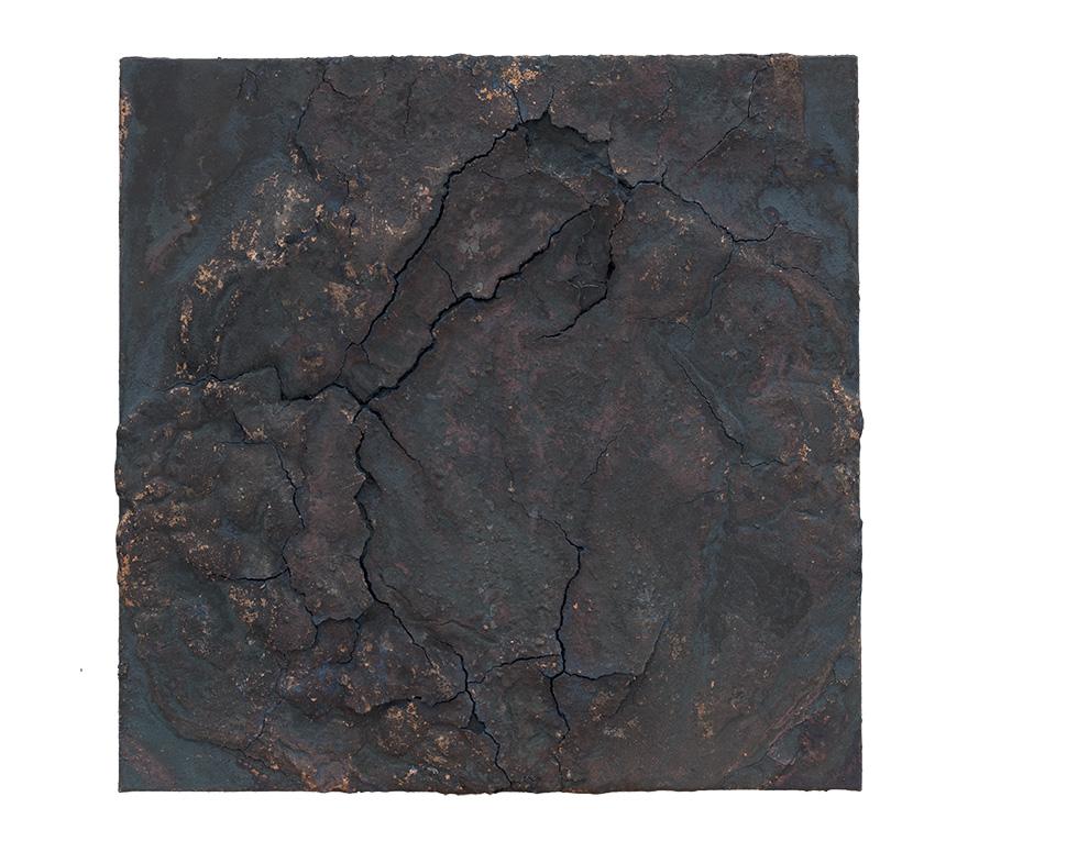 《黑漆古》二--50x50cm--木质构造、麻纸、矿物·植物·土质颜料、箔--2015年-.jpg