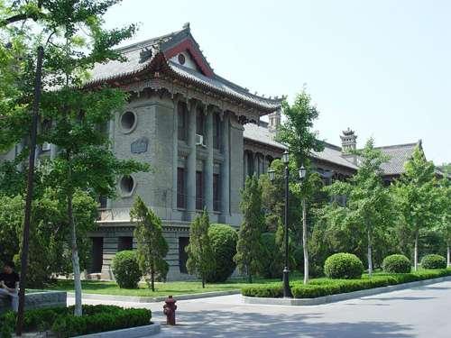 河南大学近代建筑群继承了