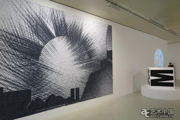 魏因加特脱离横平竖直的网格限制,拓展了铅活字的可能性