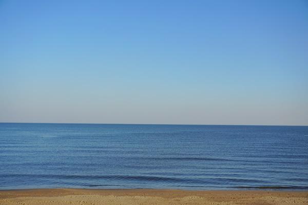 极致的喧嚣——与冬海邂逅一场虚无仙境