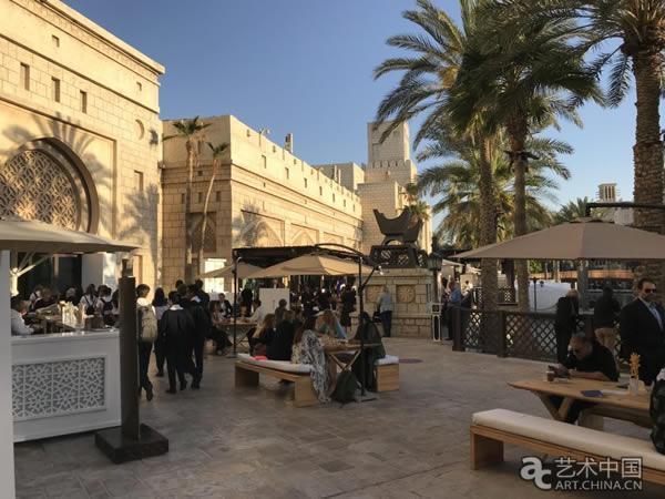沙特艺术复兴+阿布扎比新卢浮宫=迪拜艺博会