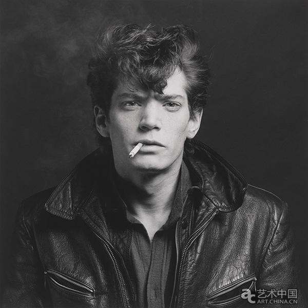 Mappplethorpe_93.4289_Self-Portrait-1980.jpg