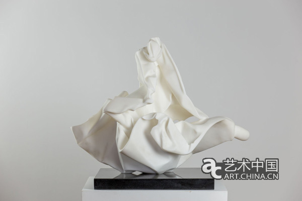 许东荣 《八仙过海》 70x43x80cm 汉白玉 2013