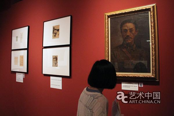 """国博举办""""抗战与文艺""""纪念抗战胜利70周年馆藏文物展"""